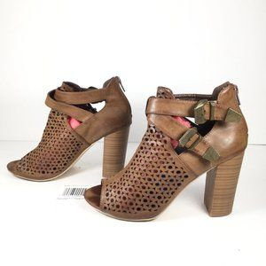 Air Balance Caged Open Toe Heel Brown Size 8